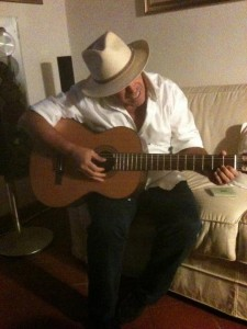 me_chitarra_cappello